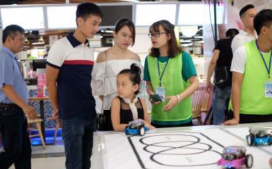 Stem robot đưa trẻ bước vào thế giới công nghệ và Khoa học