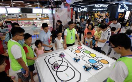 Trải nghiệm robot trong giáo dục STEM